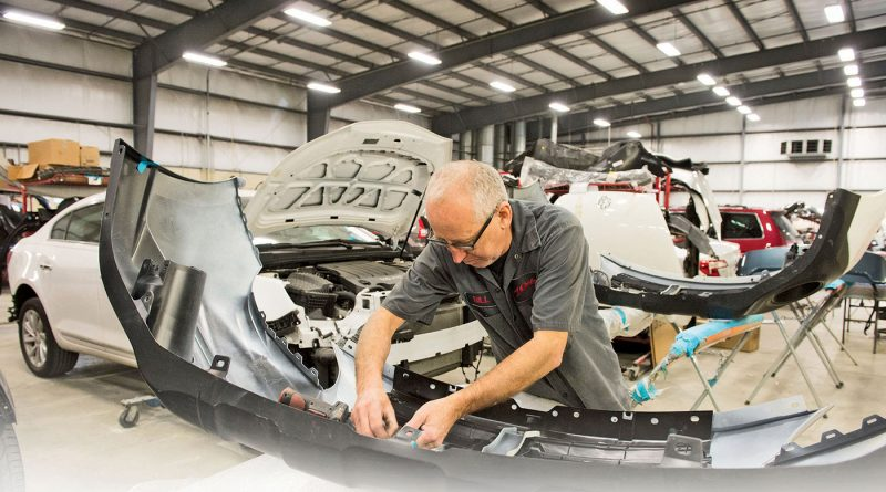 Choose auto body shop for vehicles wisely.